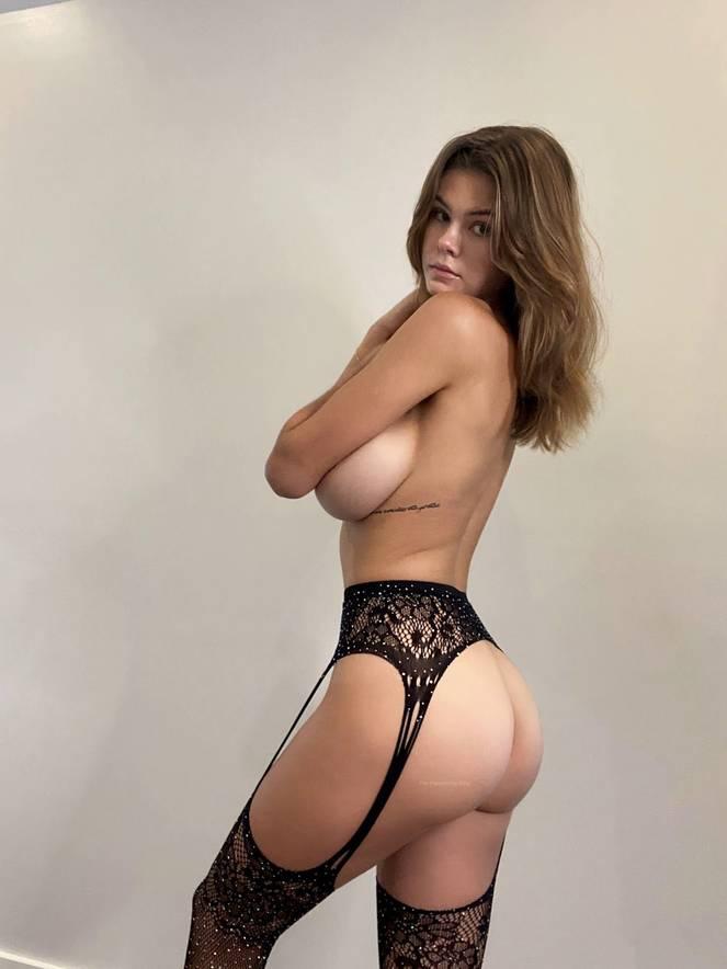Ashley Tervort Nude Sexy 15