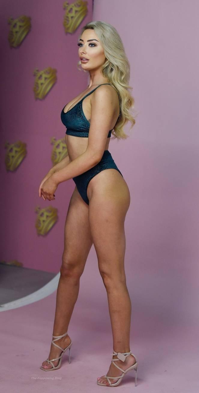 Chloe Crowhurst Sexy 15