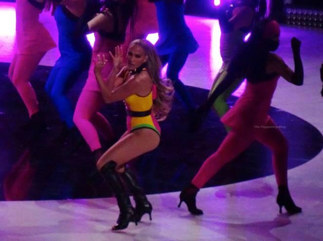 Jennifer Lopez Sexy 16