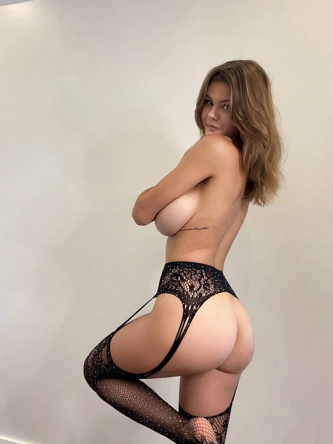 Ashley Tervort Nude Sexy 16