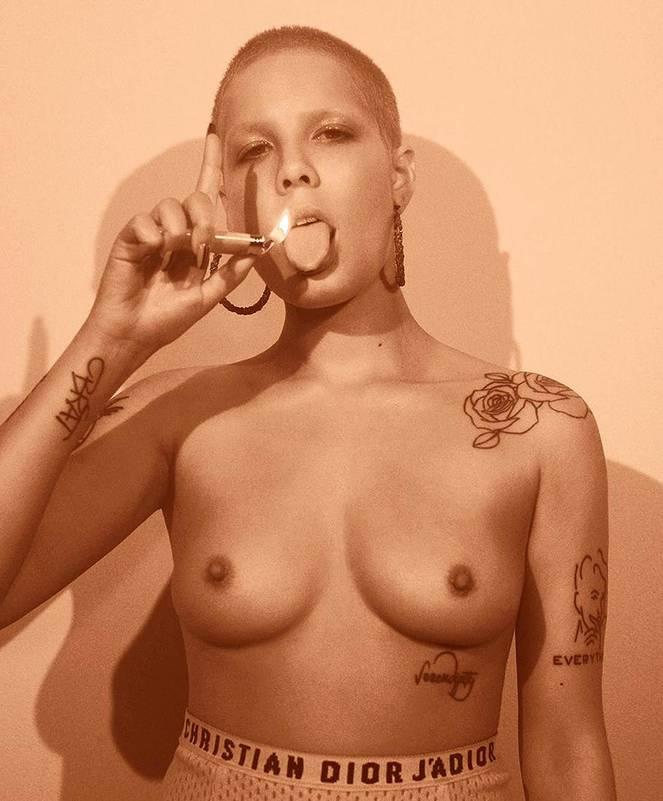 Halsey Naked Leaks Fappening 17