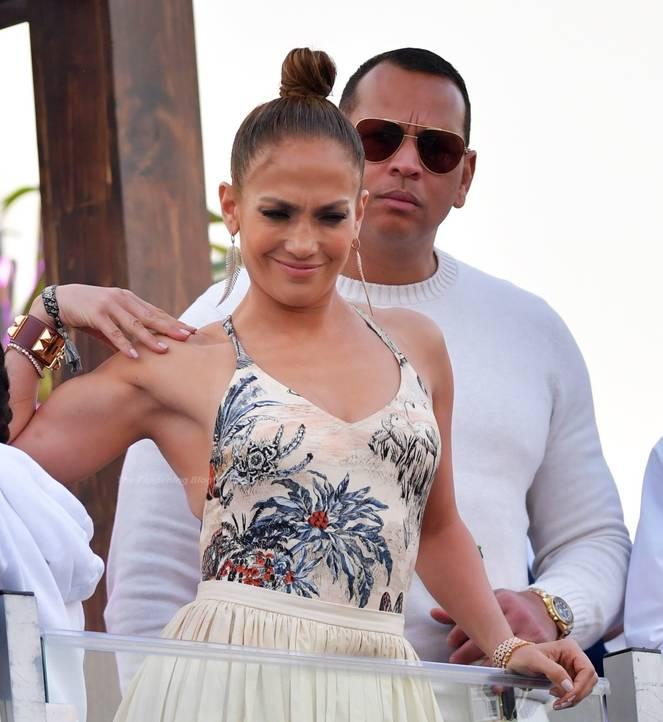 Jennifer Lopez Sexy 17