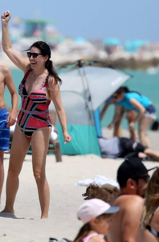 Sonia Amoruso on Beach 24