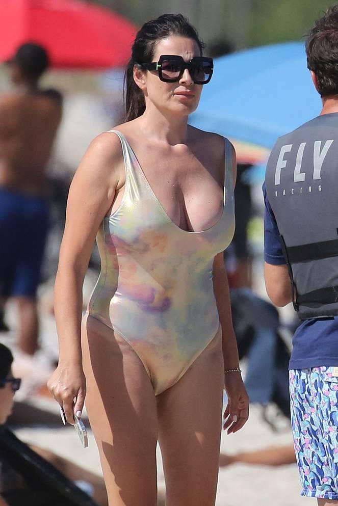 Sonia Amoruso on Beach 29
