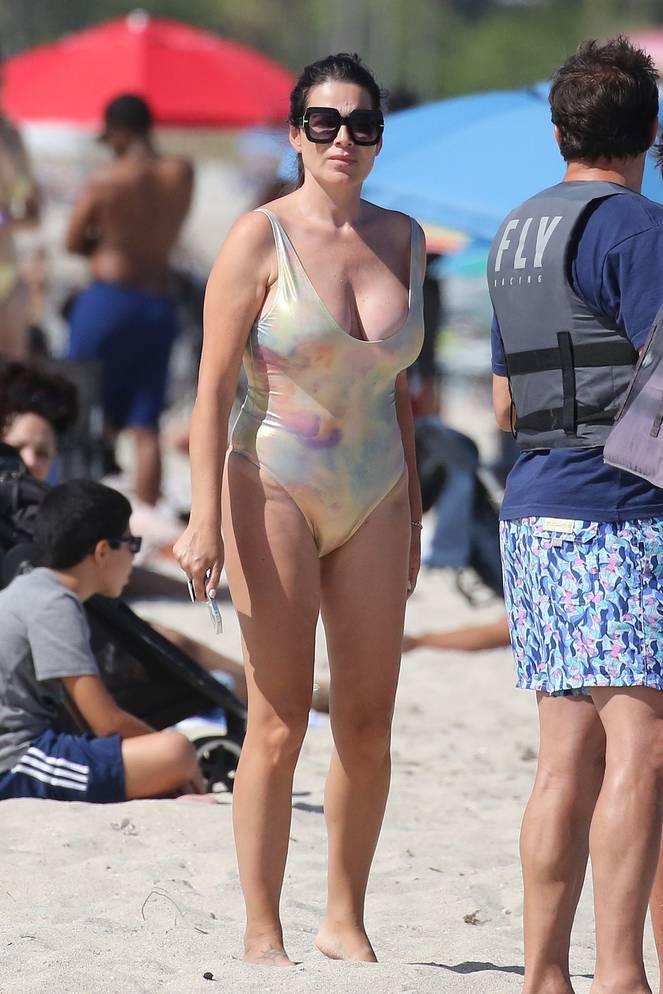 Sonia Amoruso on Beach 31