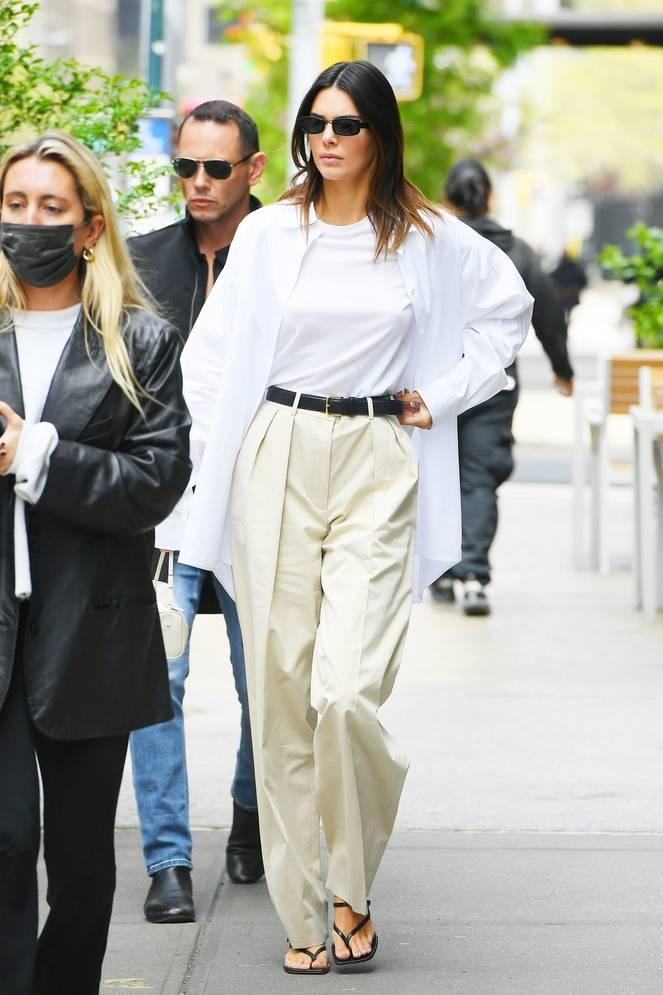 Kendall Jenner Braless 33