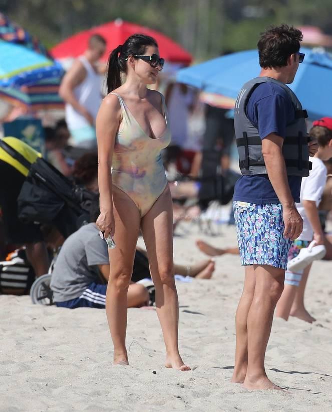 Sonia Amoruso on Beach 35