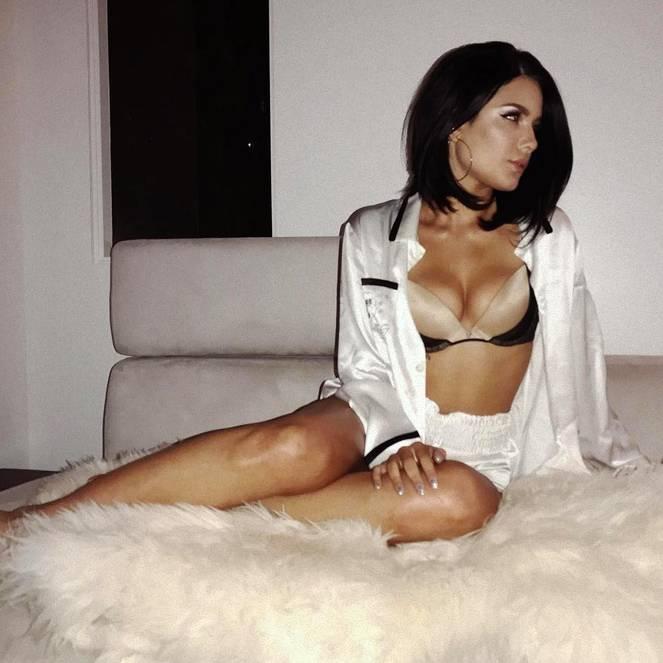 Halsey Naked Leaks Fappening 38
