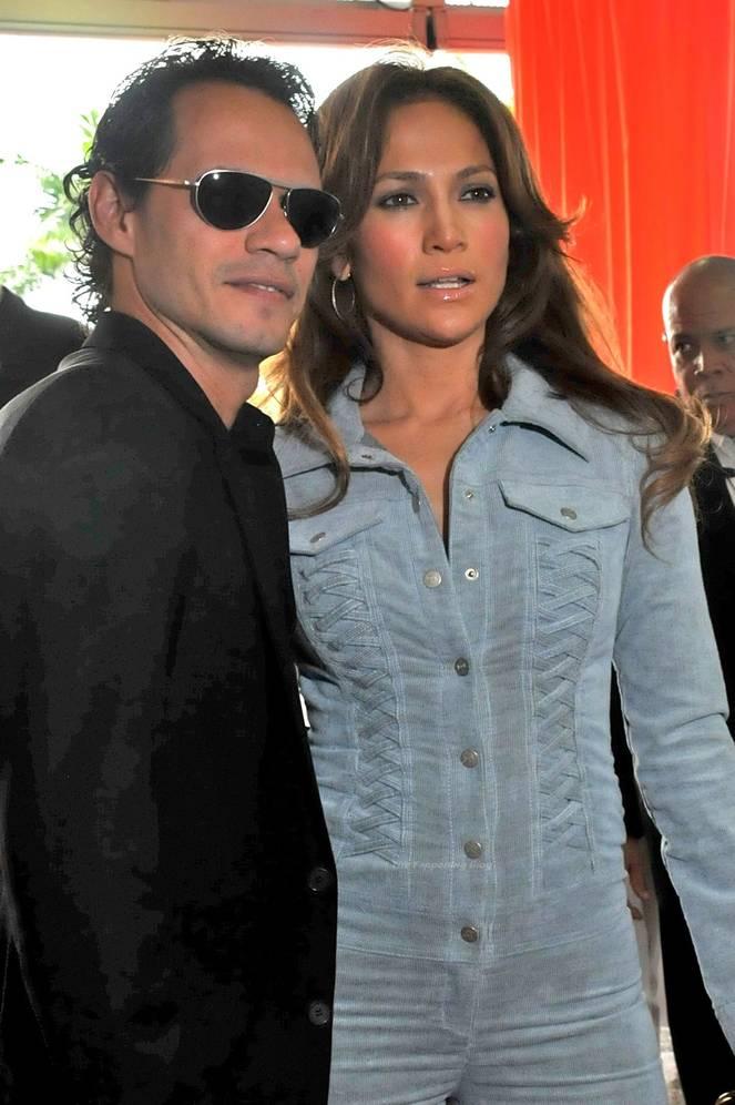 Jennifer Lopez Sexy 40