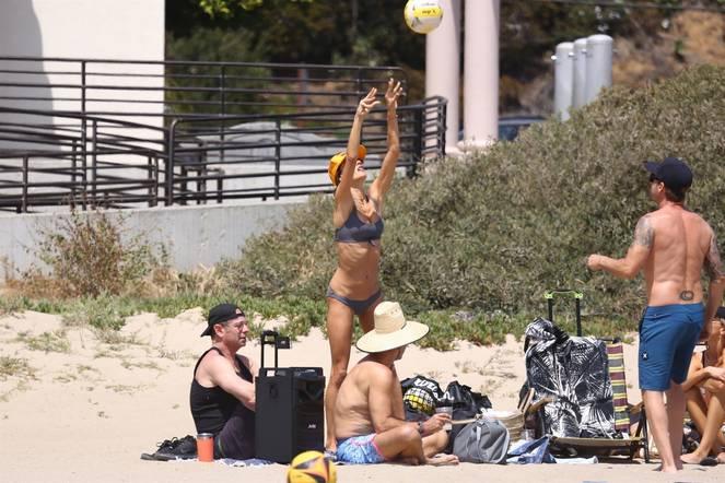 Alessandra Ambrosio on Beach 41