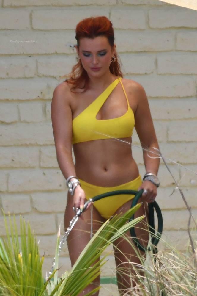 Bella Thorne Sexy 50