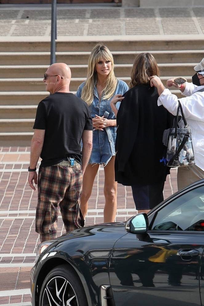 Heidi Klum Sexy Legs 62