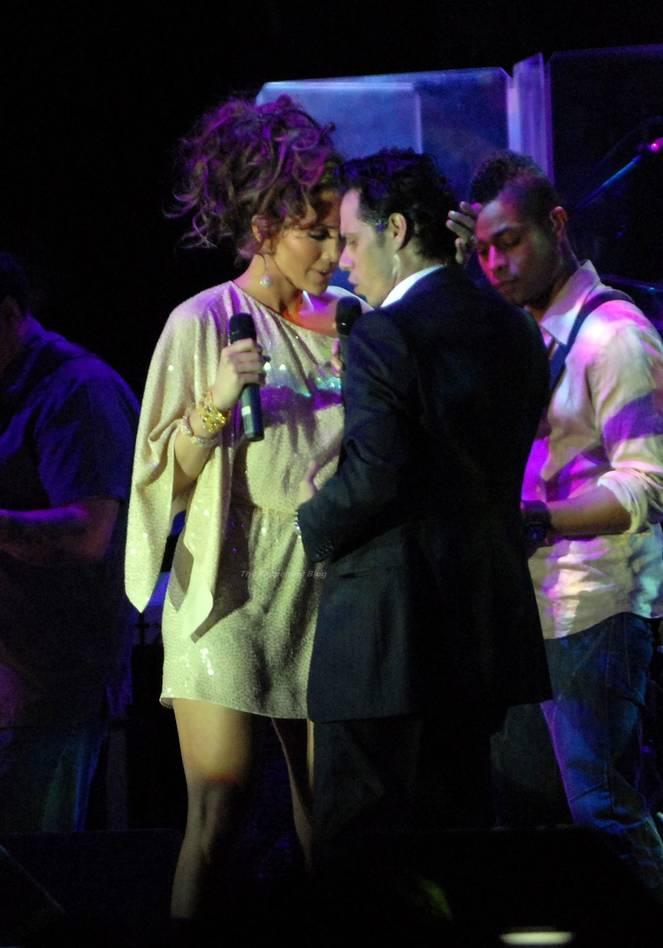 Jennifer Lopez Sexy 76