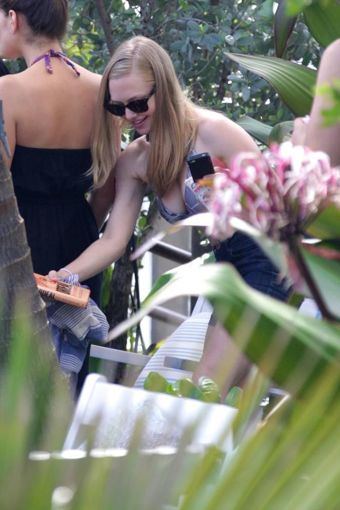 Amanda Seyfried Nude Sexy Leaks 77