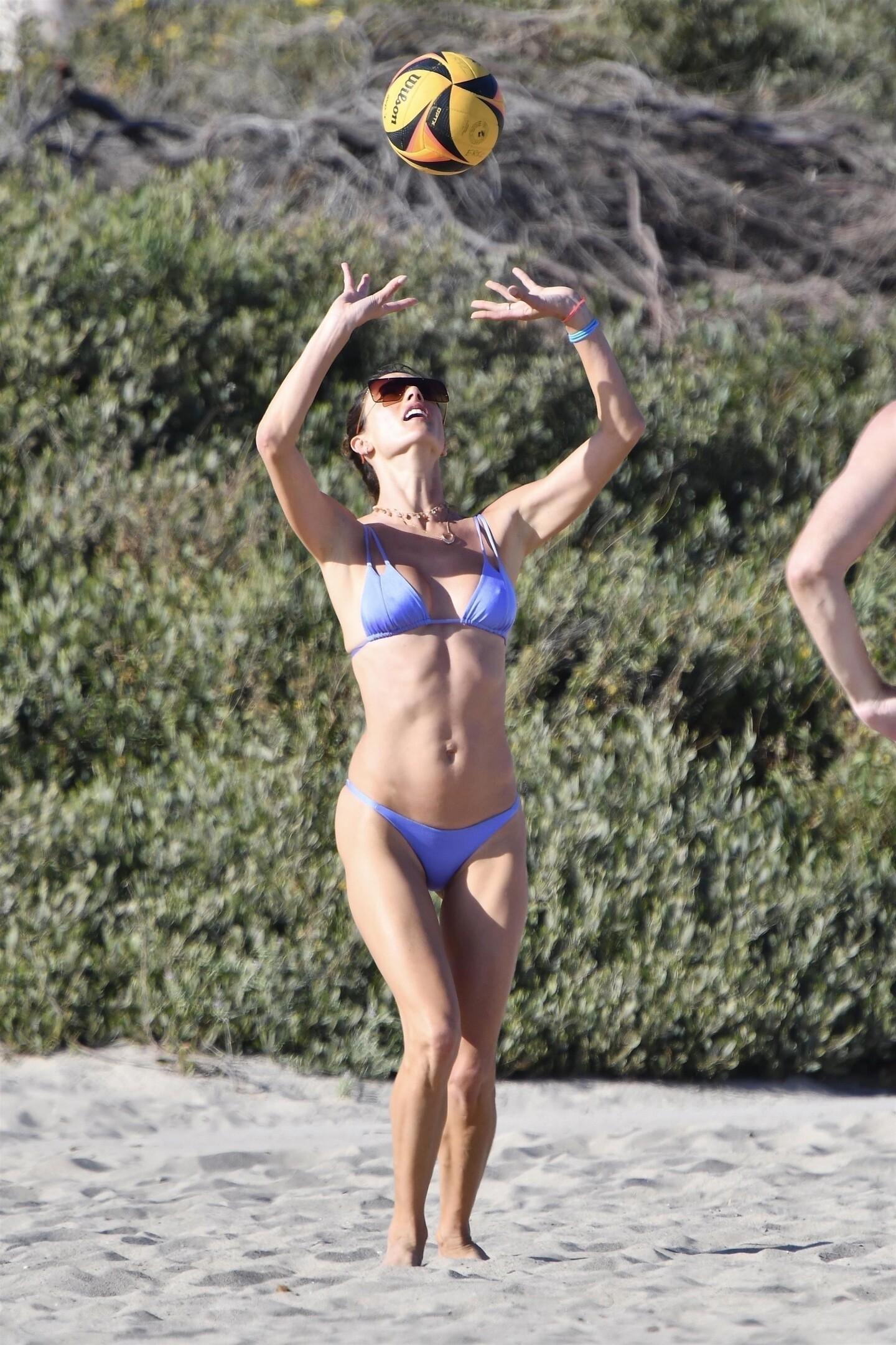 Alessandra Ambrosio Bikini fappenings.com 4