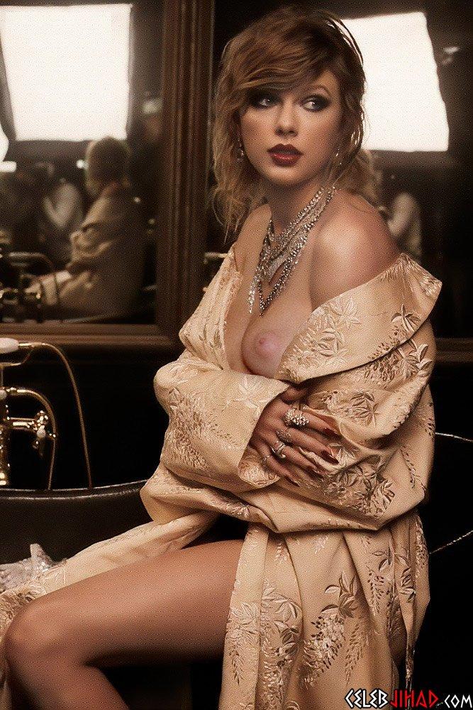 Taylor Swift naked slip
